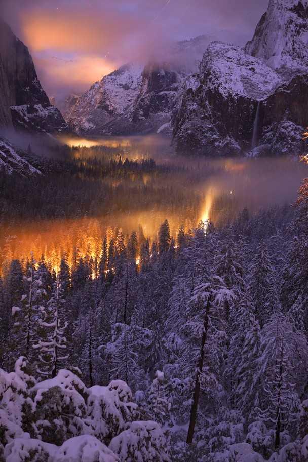 夕暮れのヨセミテ国立公園の写真