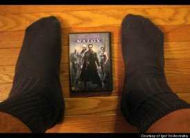 全米No1の長身(234cm)男性にReebok社が巨大な靴をプレゼント