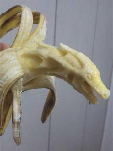 【画像】バナナで作ったドラゴンがTwitterで話題