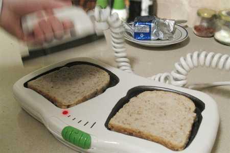 思わず「VFです!!変化ありません!!」って言いたくなる電気ショック型トースター