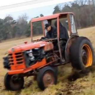 【動画】畑がめちゃくちゃ!VOLVOの240ターボエンジン搭載の農業トラクターが凄い