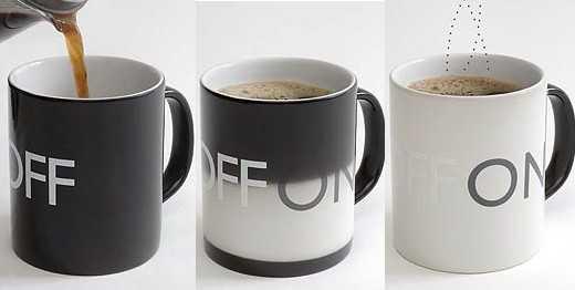 熱いコーヒーを注ぐと「OFF」から「ON」になるマグカップ