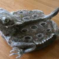 なんだよこれwww「ヒキガエル型ルンバ用カバー」がキモ可愛い!