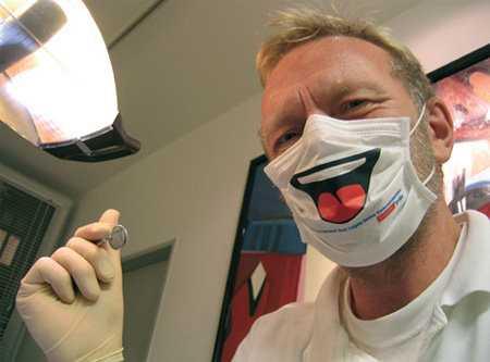 【ナイスアイデア】怖い歯医者の不安を軽減して笑顔にするマスク