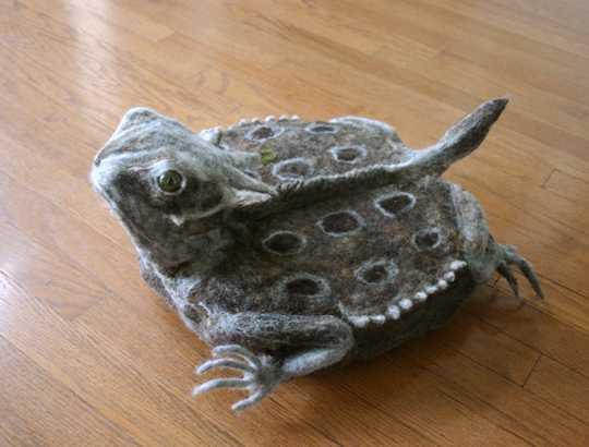 カエル型ルンバカバー「iToad」