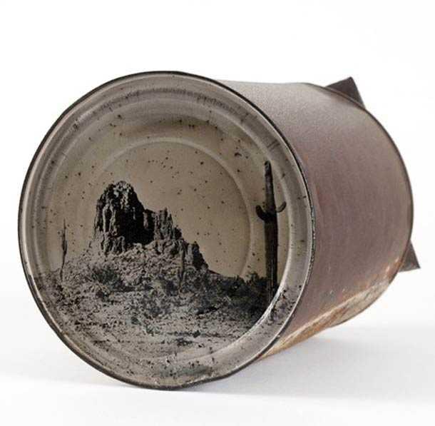 古く錆びた空き缶の底を使ったコロジオン写真