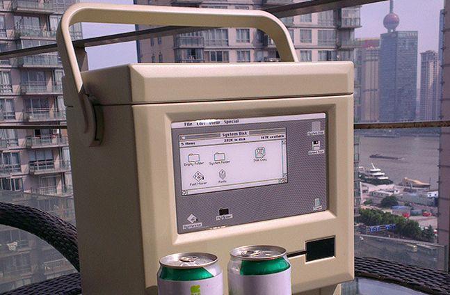 Mac愛好家にはたまらない!Macintosh Classic型のクーラーボックス「MACOOL」