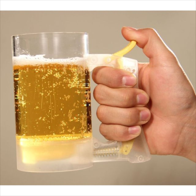 ビールの泡を手動で作れるジョッキ「Beer Mug Jokki Hour Foam Maker」