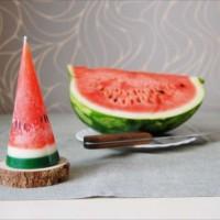 思わずかじりつきそう!スイカを繰り抜いたようなキャンドル「Watermelon Candl」