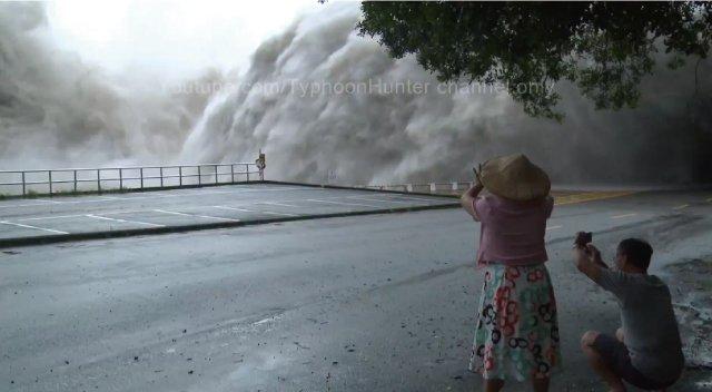 【動画】台風直撃後の台湾のダムを解放した様子がこの世の終わりレベルで凄い!
