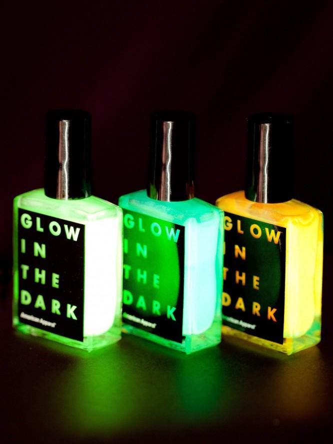 暗闇で発光するマニキュア「Glow in the Dark Nail Polish」