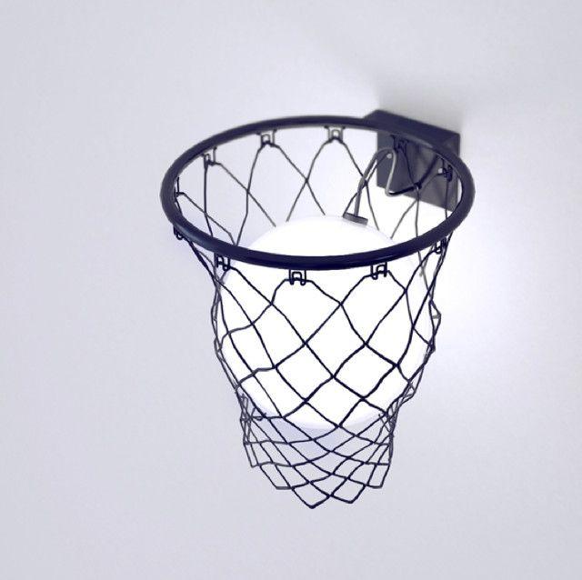 バスケットゴールとボールを模したウォールランプ「Light Ball」