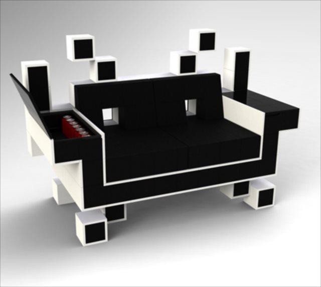 スペースインベーダーのキャラをそのままソファーにした「Space Invader Couch」