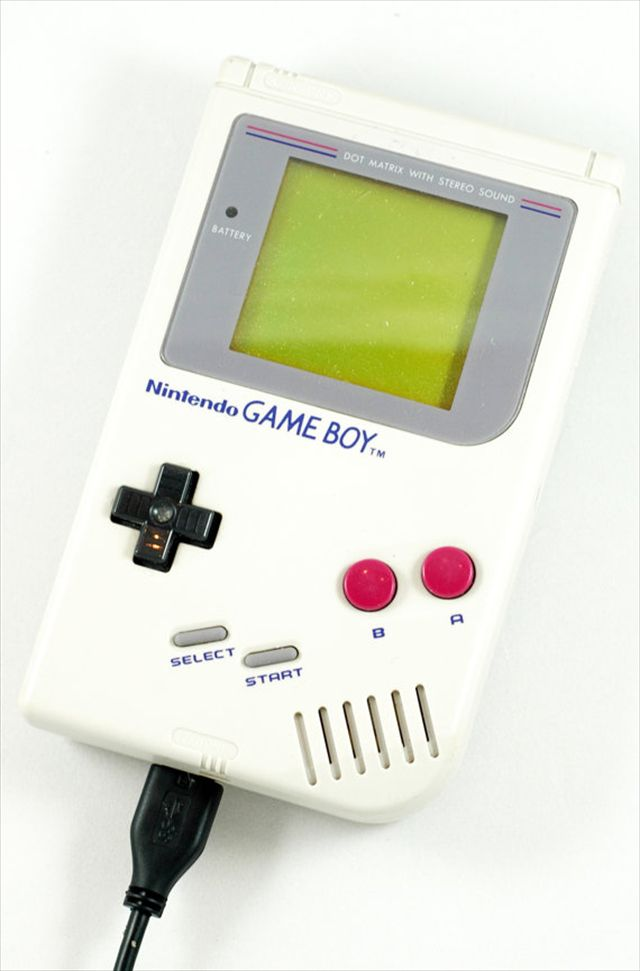 【ガジェット】ゲームボーイ型のハードディスク「USB 3.0 Game Boy Hard Drive」