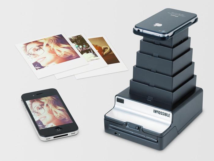 iPhoneを上に置くだけでポラロイド写真を作成できる「iPhone to Polaroid Converter」