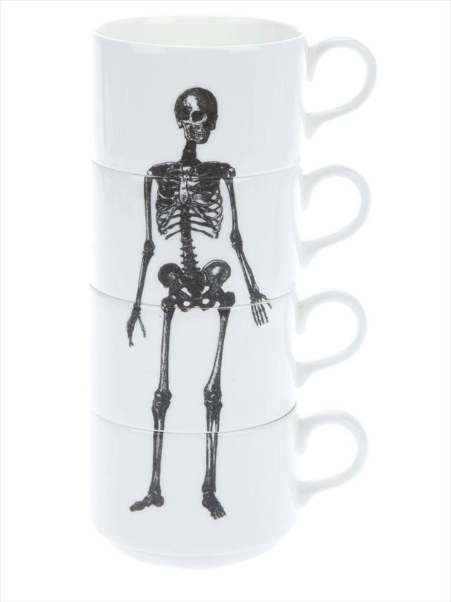 重ねると骸骨が完成するマグカップ「Stackable skeleton coffee mugs」