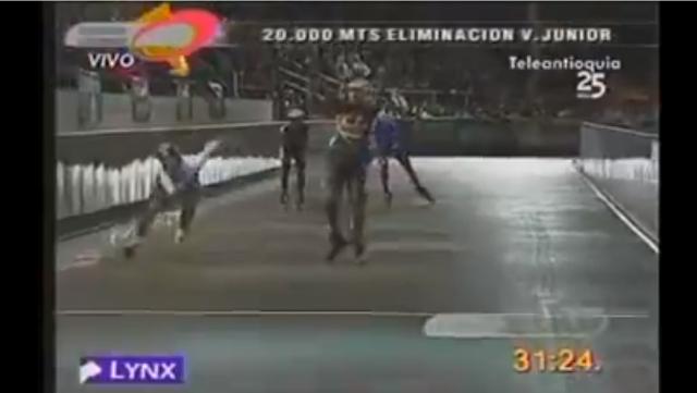 【動画】恥ずかしすぎて辛い!勝利を確信して投げキッスしてたら抜かれたスケート選手