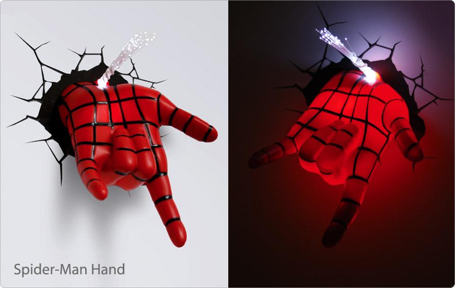アイアンマンの顔面が壁から飛び出してきたようなライト「Iron Man Mask 3D Deco Light」