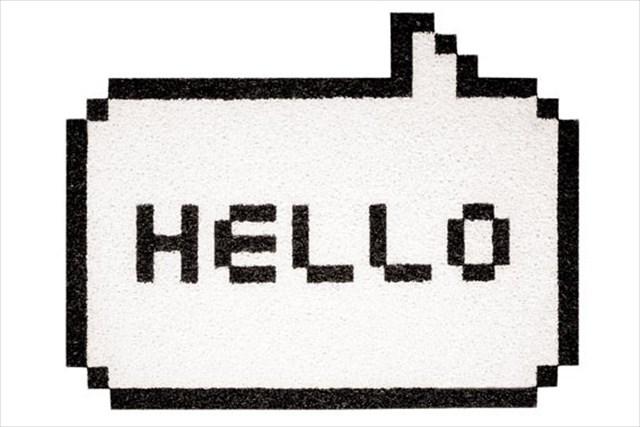 ファミコン世代のハートを鷲掴み!レトロゲームの吹出しのようなマット「Hello 8bit Doormat」