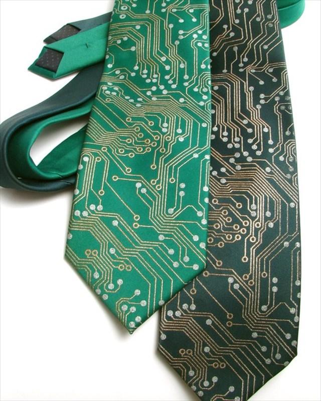 GEEKな人にオススメしたい!回路基板ぽいネクタイ「Circuit Board Men's Necktie」