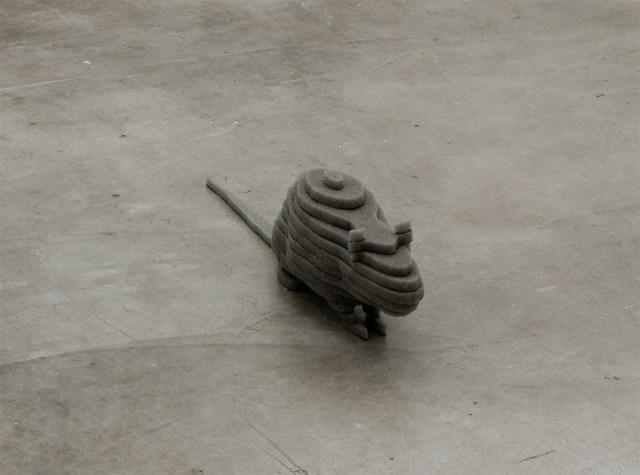 スポンジを重ねあわせて作った動物のアート by Joao Loureiro
