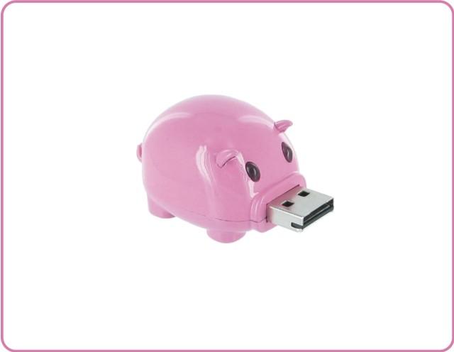 子豚がお乳を飲んでいるようなUSBハブ「PIG HUB」が可愛いぞ!(犬と猫もあるよ)