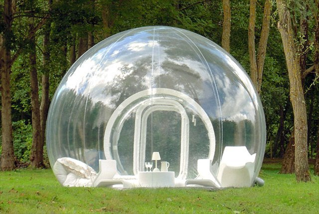 中身が丸見え!泡みたいな透明のテント「The Transparent Bubble Tree Tent」