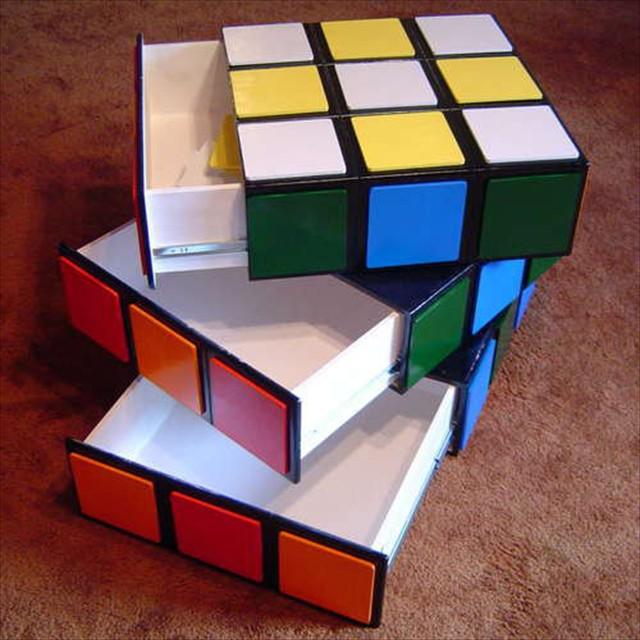 巨大なルービックキューブ型の引出し「Rubik's Cube Ches」