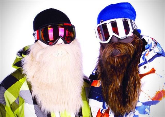 ワイルドな山男に変身できるヒゲ付きのスキーマスク「Beardski Ski Mask」