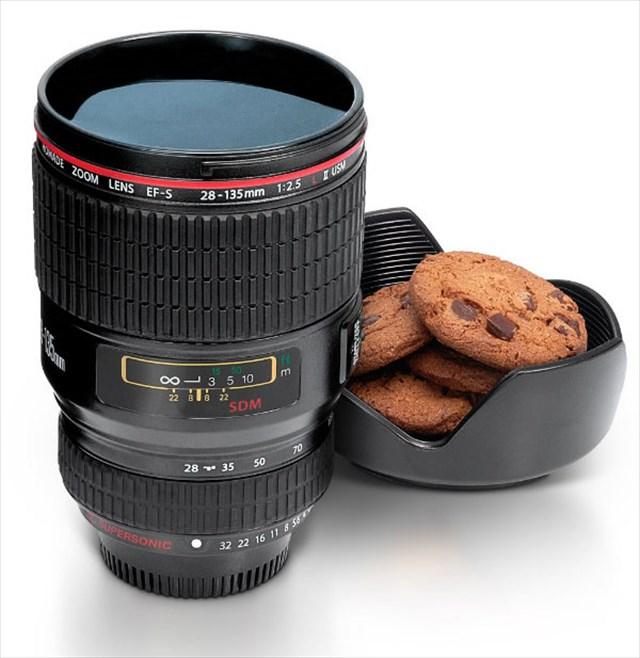 これは渋い!超リアルなカメラのレンズ型マグカップ「Security Camera Lens Inspired Cup」