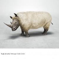 「堅牢」と「快適」を同時に表現したフォルクスワーゲンの広告が秀逸