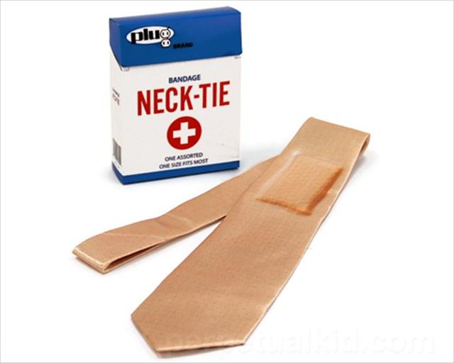これは欲しいwww巨大な絆創膏ネクタイ「BANDAGE TIE」
