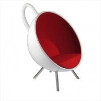 中身が溢れちゃう!ティーカップを傾けたようなデザインの椅子「Tea Cup Chair」