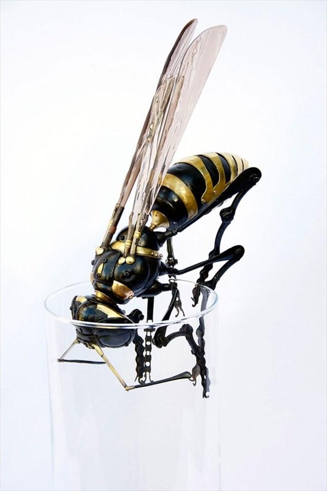 【アート】ジャンク品から寄せ集めた部品で作った昆虫の模型が驚くほどリアルで凄い