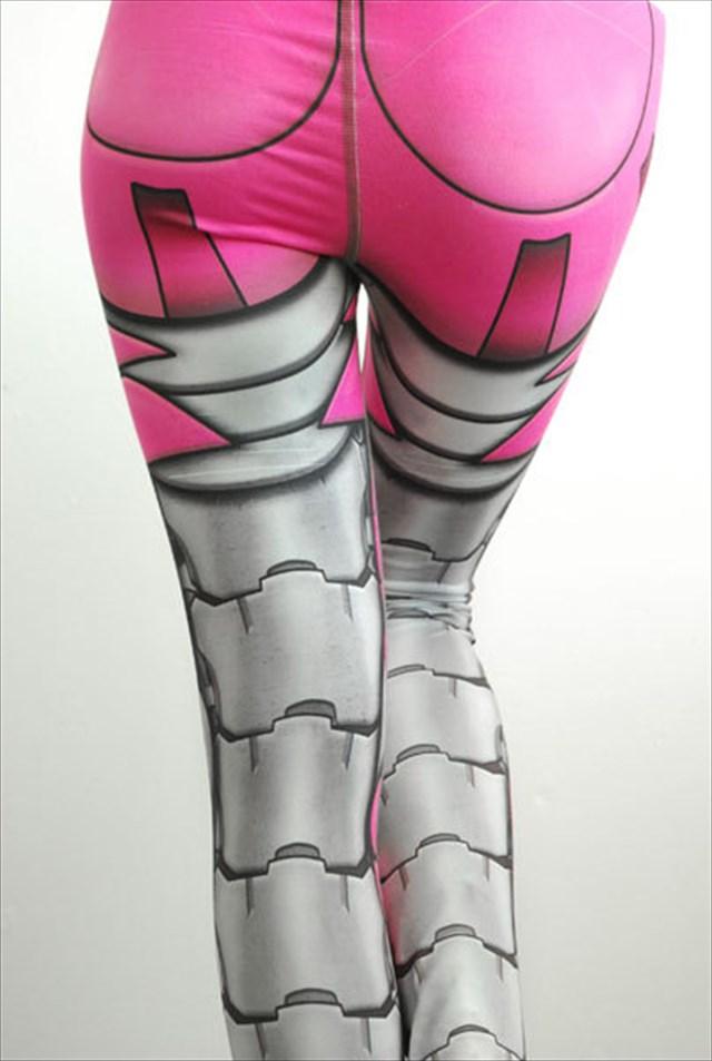 履くだけで機械の身体を手に入れることができるタイツ「Bionic Legging」