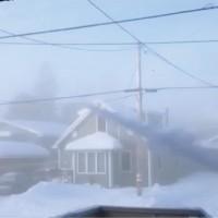 【動画】氷点下41度で水鉄砲からお湯を噴射したらどうなるのか?