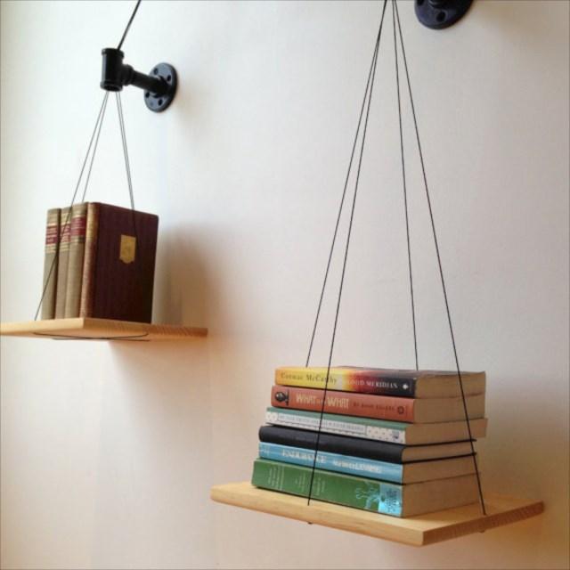 物凄くバランス感覚が必要な本棚「Black Balance Bookshelf」