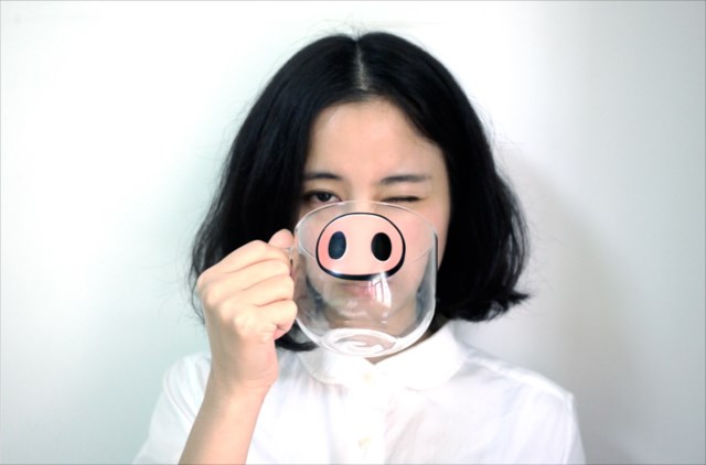 猫になったり豚になったり出っ歯になったり探偵になったりできるカップ「Cartoon Cup」