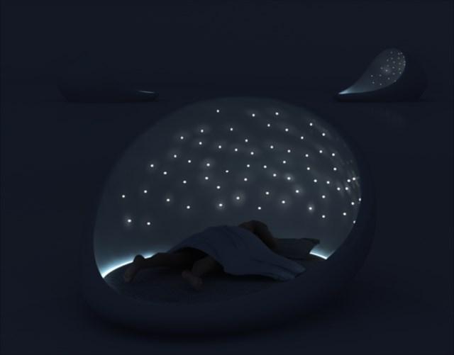 星空の下で寝ているような気分になれるベッド「THE COSMOS BED」