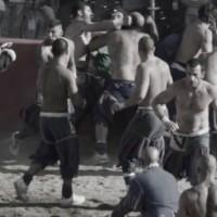 殴る!蹴る!そしてボールを奪う!世界で最も危険なスポーツ「カルチョ・フィオレンティノ」