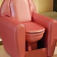 【小ネタ】ソファーみたいなトイレ