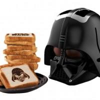 ダース・ベイダーの顔の焼き目が付くトースター「Darth Vader Toaster」
