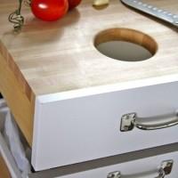 これは便利!キッチンの引出しをリメイクして便利な作業スペースを作る方法
