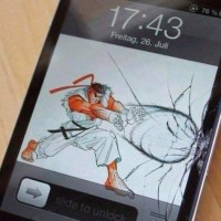 【小ネタ】iPhoneの画面の割れを利用して逆に格好良く見せる方法