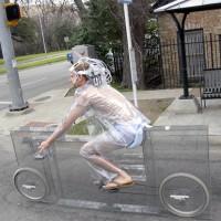 これは凄い!海外で「目に見えない透明の自転車」が開発されたよ!