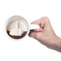 飲み終わった後に屈辱を受けるマグカップ「Thumbs Up! Up Yours Mug」