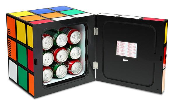 パズルが完成しなくても使えるルービックキューブ型の冷蔵庫「Rubik's Cube Fridge」