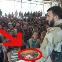 イスラム軍の総司令官が可愛いキティちゃんのノートを使ってると話題にwww