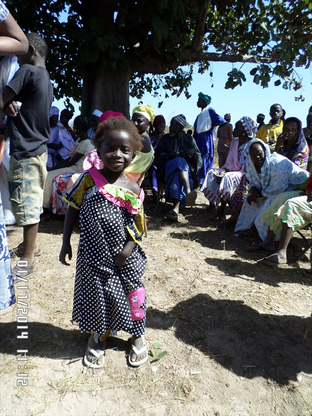 アフリカの子供達にドレスを作り続ける99歳のお婆ちゃんが話題に
