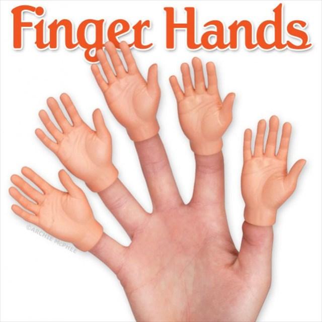 指先に装着すると指が手になる指人形「FINGER HANDS」が僕の中で話題
